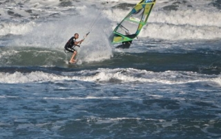 Kitesurfing & windsurfing at New Brighton beach