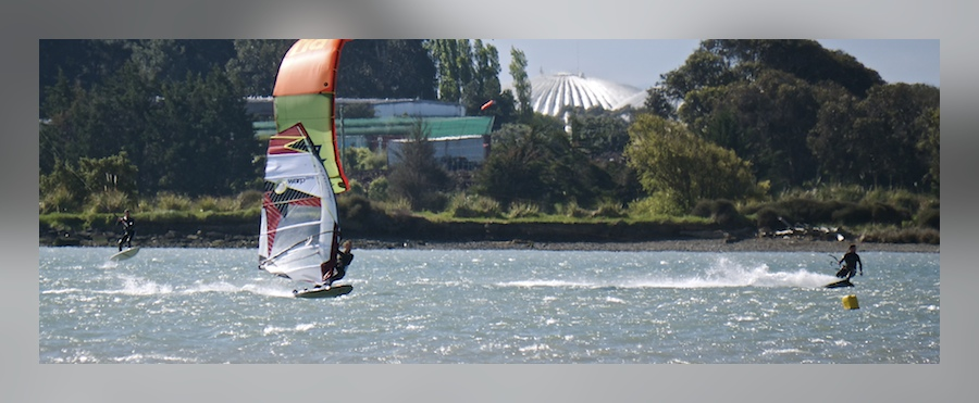 Kitesurfing & windsurfing on the Christchurch Estuary, NZ